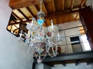 chandelier-186403_640